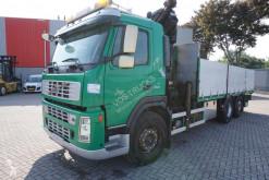 Camion Volvo FM12 plateau accidenté