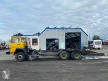 Camion grumier Iveco Magirus Deutz 232D26 Forstmaschinentransporter