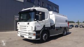 Kamión cisterna Scania P124