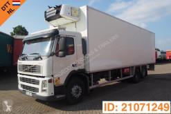 Volvo egyhőmérsékletes hűtőkocsi teherautó FM9