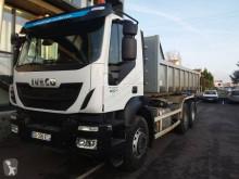 Kamión hákový nosič kontajnerov Iveco Trakker 260 T 41