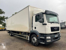 Camión MAN TGM 18.290 furgón usado