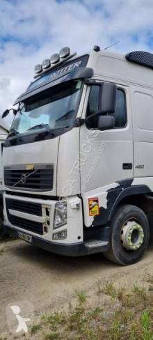 Camion bétaillère Volvo FH13 460
