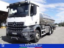 Camion cisterna Mercedes Arocs 2545NLG