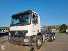 Camión Gancho portacontenedor Mercedes Actros 3336