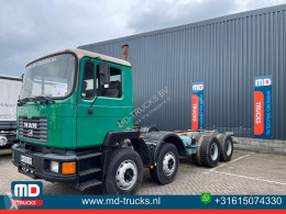 Camião MAN 32.322 chassis usado