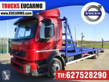 Volvo gépszállító teherautó