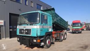 Camión MAN 26.362 volquete usado