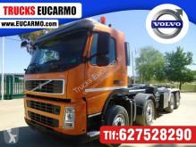 Camión Volvo Gancho portacontenedor usado