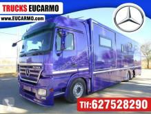 Ciężarówka Mercedes do transportu koni używana