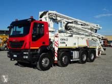 شاحنة Iveco Trakker AT 410 T 45 اسمنت مضخة اسمنت مستعمل