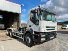 Camión Iveco Trakker 260T45 6x4 usado