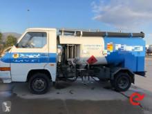Camion citerne à eau Nissan Trade