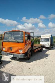 Camión de asistencia en ctra Renault Midliner S 120