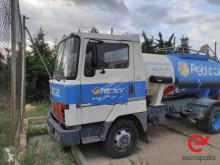 Camion citerne à eau Nissan L