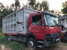 Camión remolque ganadero Mercedes Atego