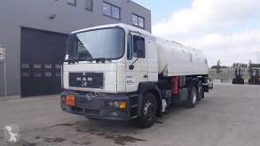 Caminhões MAN 26.414 cisterna usado
