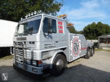 Camión de asistencia en ctra Scania 112