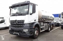 Caminhões cisterna Mercedes Arocs 2545