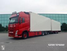 Vrachtwagen met aanhanger koelwagen Volvo FH500 6X2
