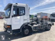 Ciężarówka Hakowiec Mercedes Atego 817