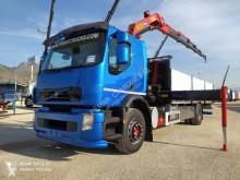 Caminhões Volvo FE 320 estrado / caixa aberta usado