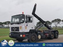 Ciężarówka Hakowiec MAN 26.403
