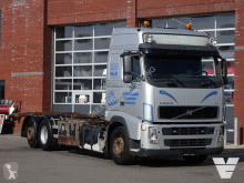 Caminhões chassis Volvo FH 400