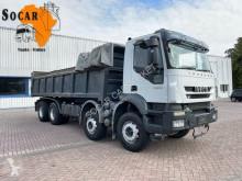 Camión volquete Iveco Trakker 360