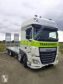 Ciężarówka pomoc drogowa-laweta DAF