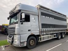 Vrachtwagen met huifzeil DAF XF105