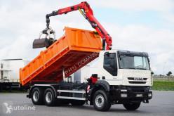 Caminhões Iveco Trakker / 330T45 / E 5 / WYWROTKA + HDS / 6 X 4 / ROTATOR / ŁYŻK basculante usado