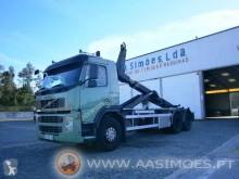 Camión portacontenedores Volvo FM 330