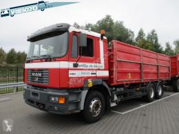 Camión MAN 26.414 volquete usado