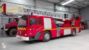 Camião veículo de bombeiros combate a incêndio Renault Midliner