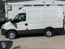 Lastbil kylskåp Iveco Daily 35 S 15 V