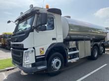 Caminhões cisterna Volvo FM 420