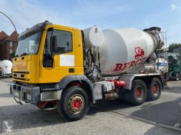Ciężarówka cysterna materiał sproszkowany Iveco Eurotrakker EuroTrakker 380 E35H