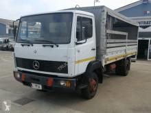 Mercedes tautliner truck 814