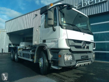Camión Gancho portacontenedor Mercedes Actros 2636