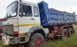 Caminhões Iveco 330.30 basculante tri-basculante usado
