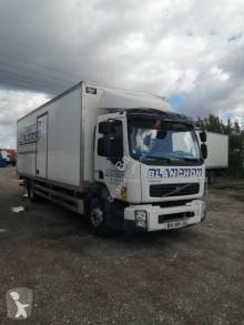 Camión Volvo FL 240 furgón usado