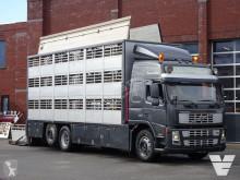 Camión remolque ganadero para ganado bovino Volvo FM9