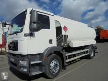 Ciężarówka MAN TGM 18.280 cysterna do paliw używana