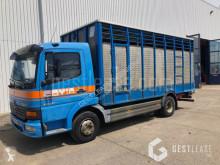 Camion bétaillère Mercedes Atego 1018