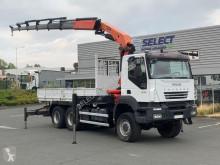 Камион самосвал Iveco Trakker 410
