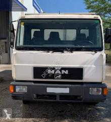 Camión remolque ganadero MAN 8.163