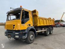 Camión Gancho portacontenedor Iveco Trakker 500