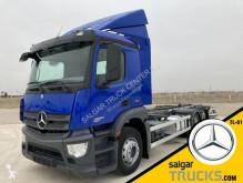 Mercedes konténerszállító teherautó Antos 2530 L