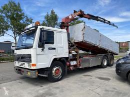 Camión Volvo FL12 volquete usado